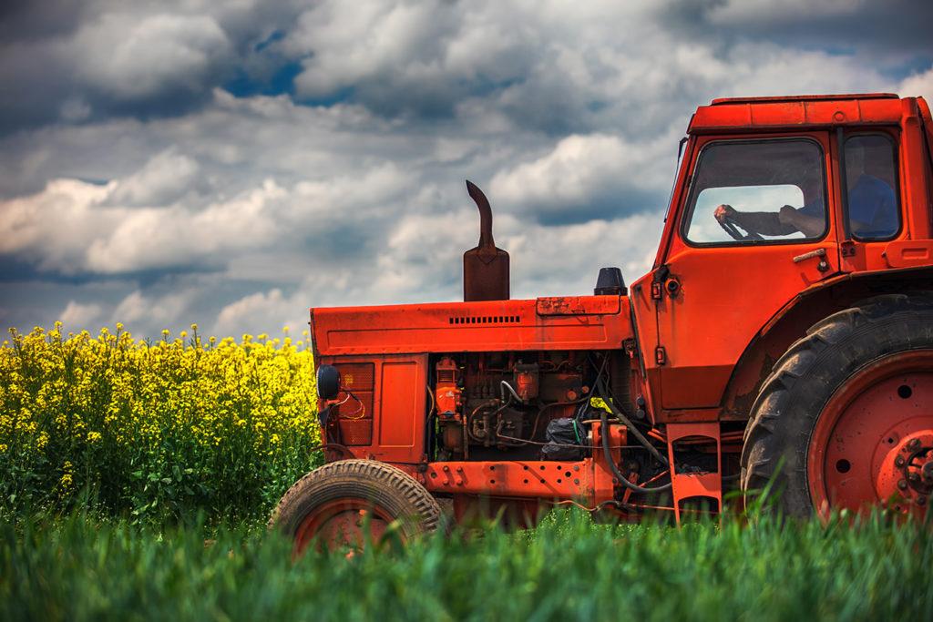 ta traktorkort hos Sjölin & Lantz